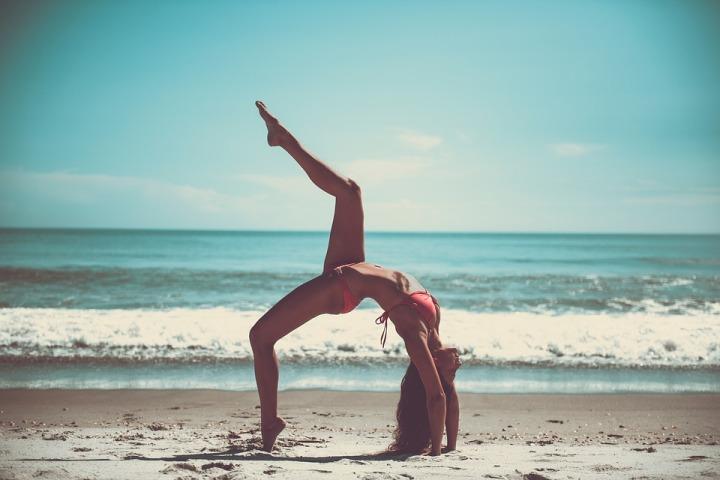 yoga-2607017_960_720